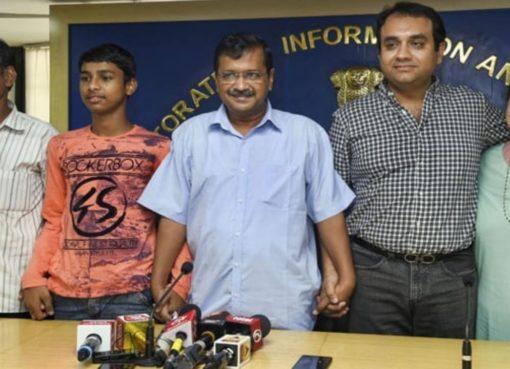 Vijay Kumar IIT and Arvind Kejriwal